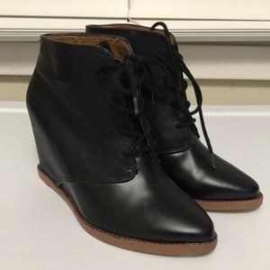 DV- Dolce Vita ankle boots in size 6 1/2